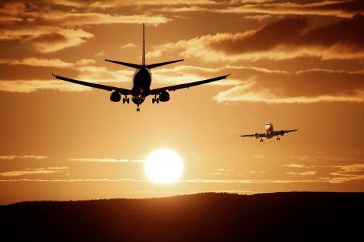 Hai bisogno di effettuare un transfer verso un aeroporto o una stazione e vuoi fare bella figura? Prenota una limousine!