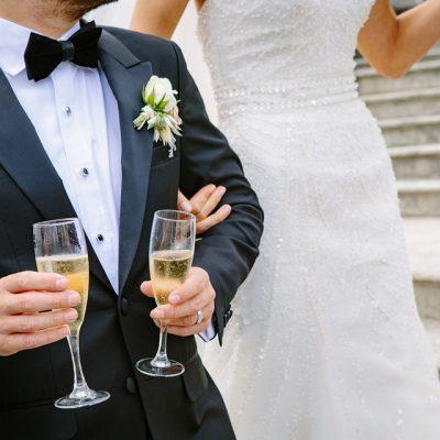 Noleggia la limousine dei tuoi sogni per un matrimonio da favola!
