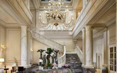 Raggiungi i migliori hotel di Milano in limousine